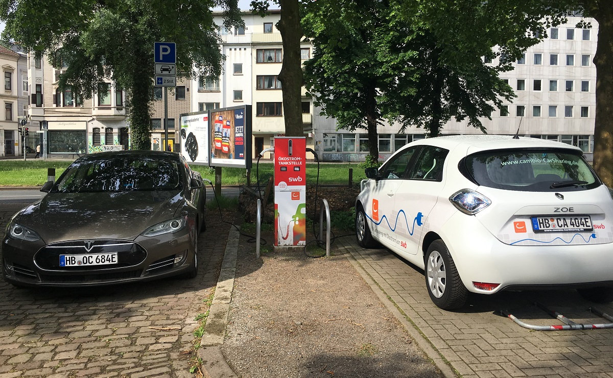 Elektrofahrzeug an Bremer cambio-Station Remberti mit exklusivem Ladepunkt für CarSharing (Quelle: Bundesverband CarSharing e.V.)